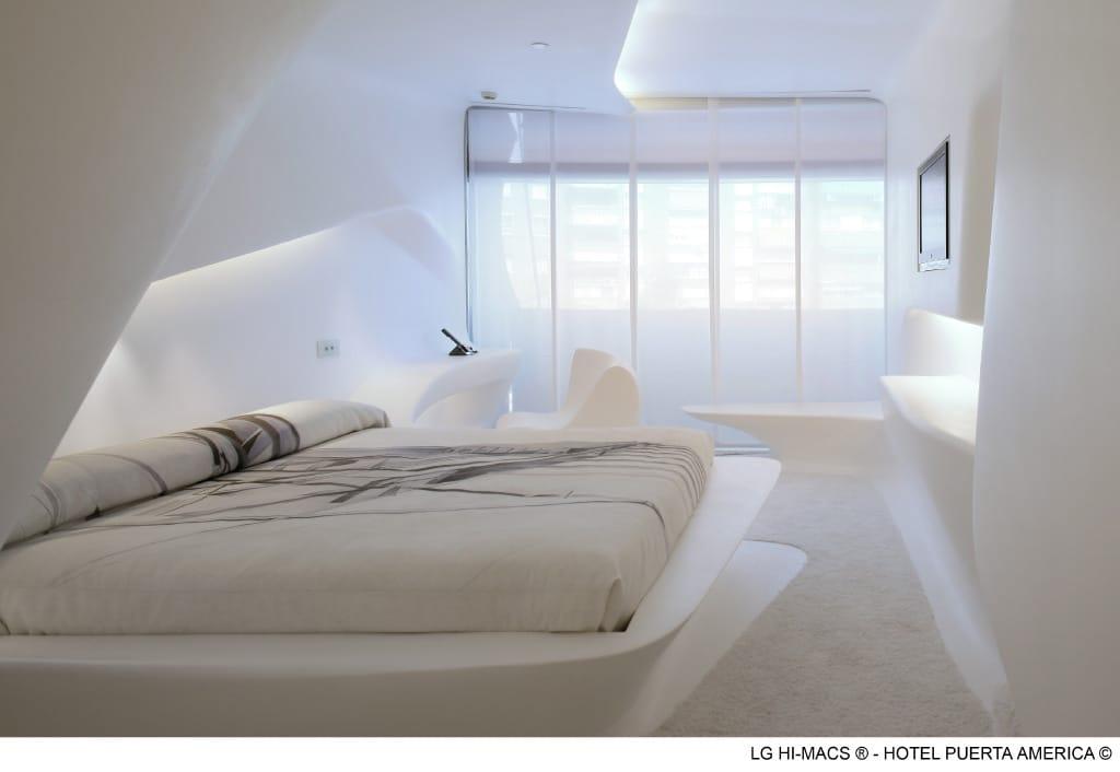 Peter Grube GmbH, Projekt Mineralwerkstoff Madrid, Hotel Puerta America, Hotelzimmer, weiß